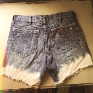 Vintage high-waisted Wrangler Shorts